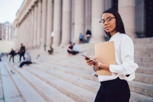 Questions to Ask Yourself When Choosing a Law School